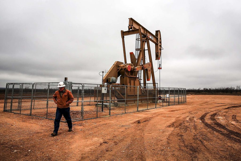 Texas Oil Companies Work To Adapt To Falling Oil Prices
